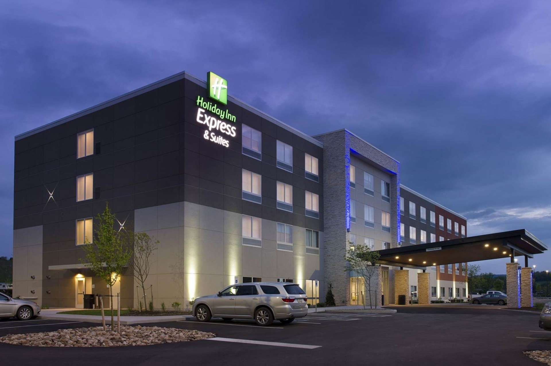 Holiday Inn Express & Suites - Downtown Auburn