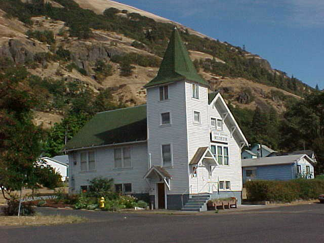 cute small towns in Washington State | Bingen