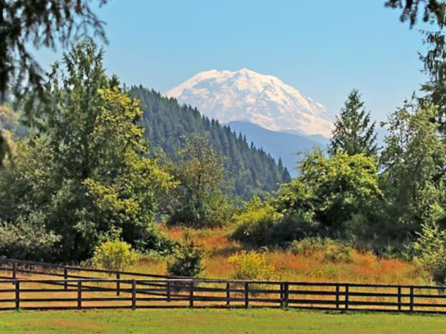 cutest mountain towns in Washington State | Enumclaw 1
