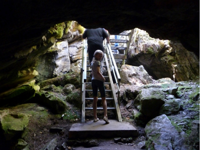 coolest caves in Washington State | Gardner Grave