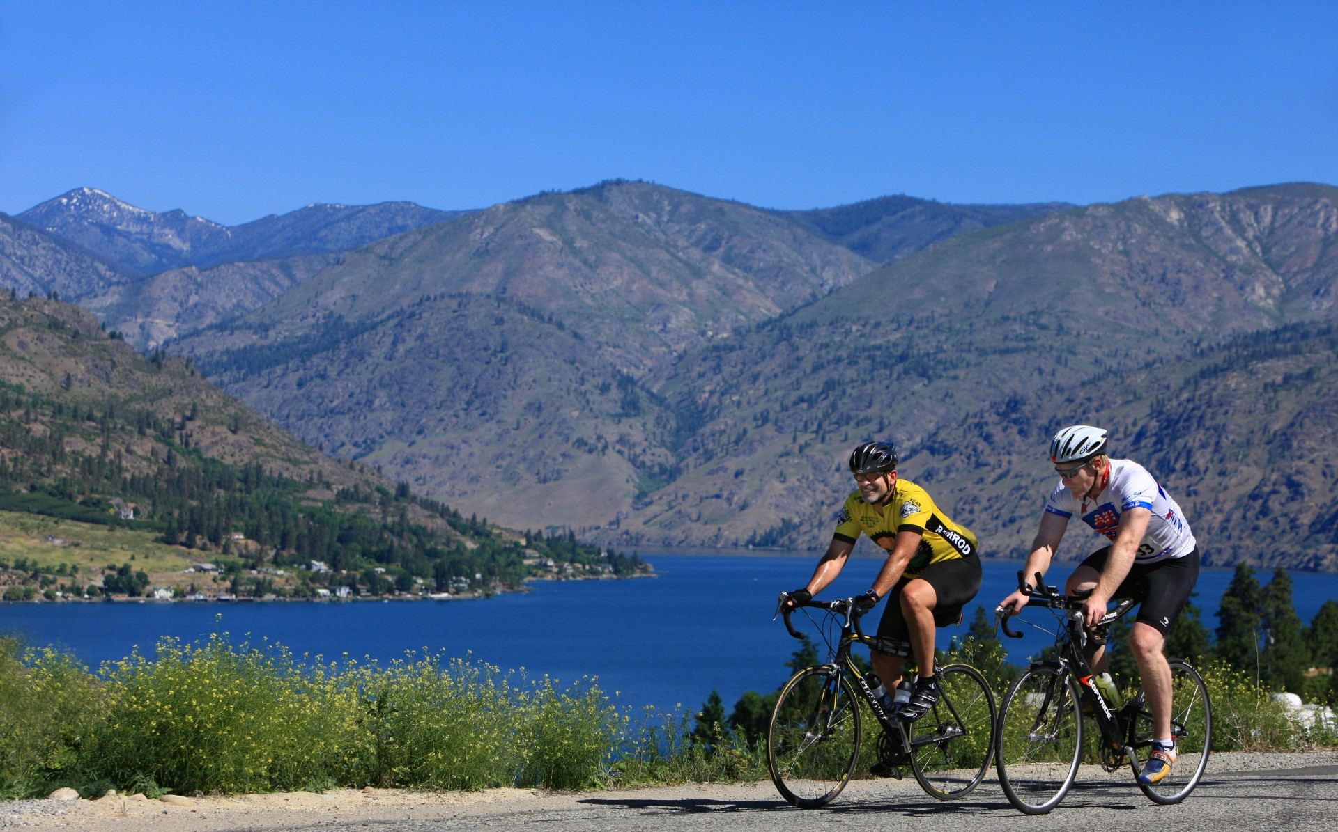 Bicyling above Lake Chelan