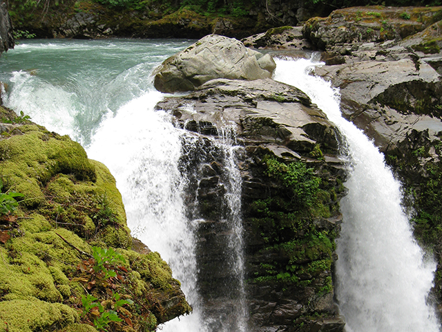 ScenicWA | Best Drives in Washington State | Maple Falls | Nooksack Falls
