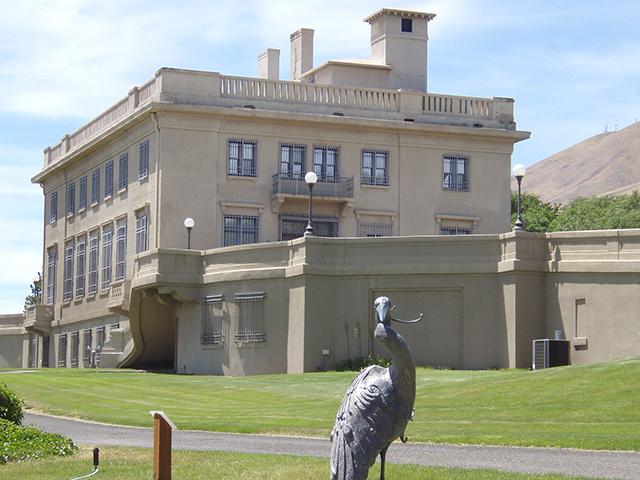 Scenic WA | Rodin in Washington State | Maryhill Museum & Stonehenge