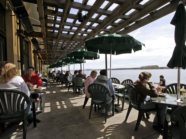 Scenic WA   Best Places to Eat in Washington State   McMenamins Vancouver on the Columbia