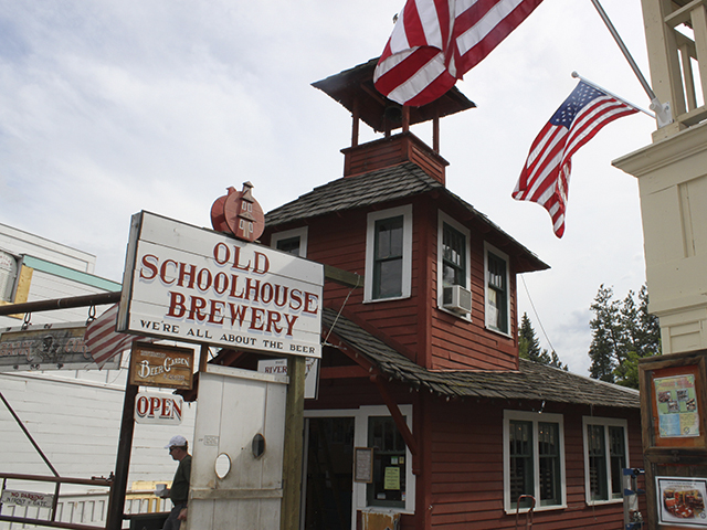 Scenic Washington State | Best Things to Do in Winthrop Washington | Old Schoolhouse Brewery