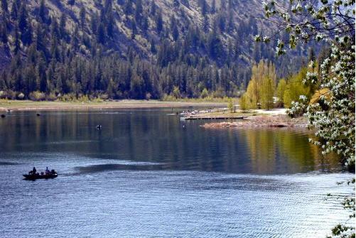 Lake Pateros