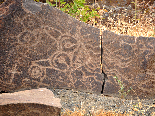 Native American Sites in Washington State | Petroglyphs at Columbia Hills