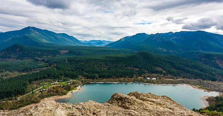 Best Road Trips in Washington State | Rattlesnake Ledge
