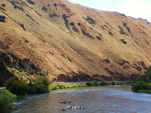 Tubing the Yakima at Roza