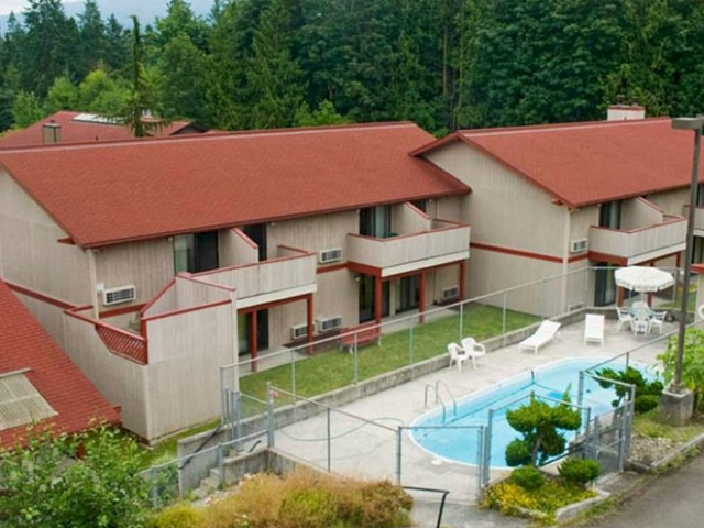 Sequim Bay Lodge 2