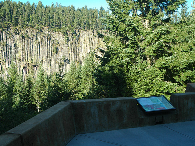 ScenicWA | 365 Things to Do in Washington State | Palisades Viewpoint