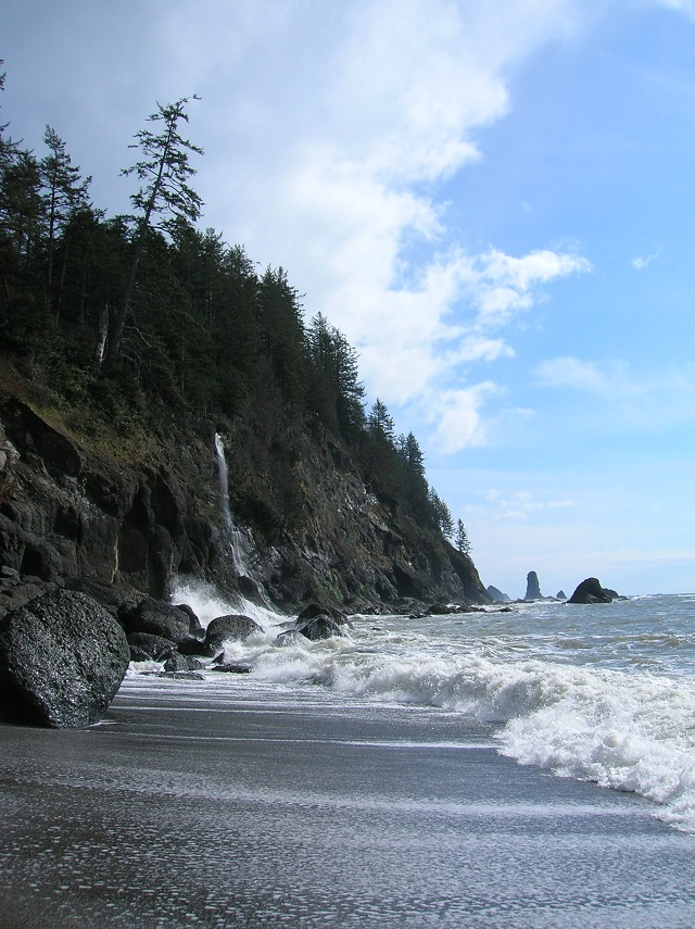 ScenicWA | Best Things to Do in Washington State | Strawberry Bay Falls