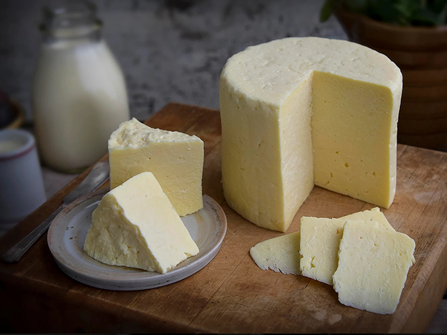 ScenicWA | Best Places to eat cheese in Ferndale, Washington | Twin Sisters Creamery