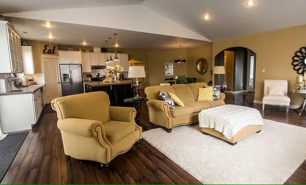 Livingroom to Diningroom
