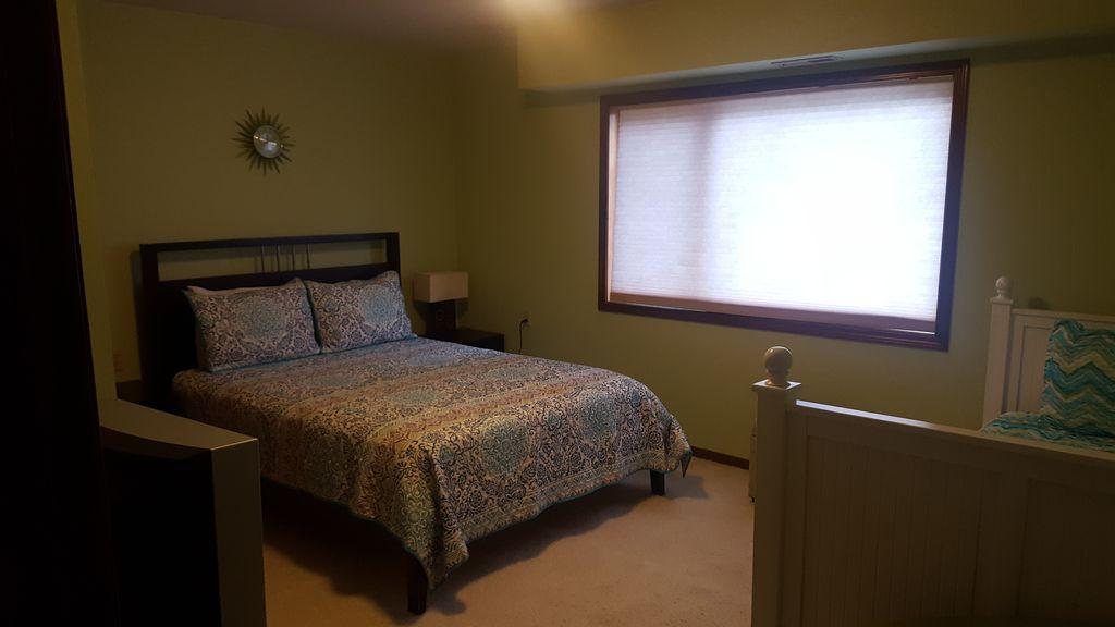 Downstairs 3rd Bedroom - 2 beds, sleeps 4