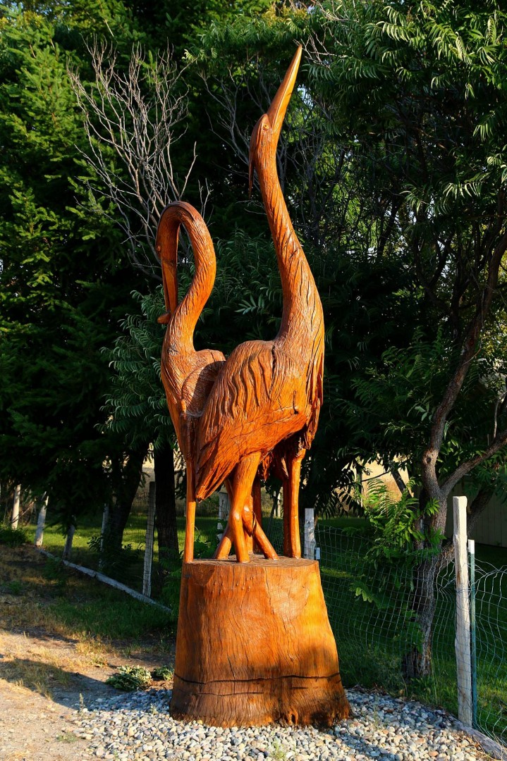 Foster Creek Avenue Tree Carving