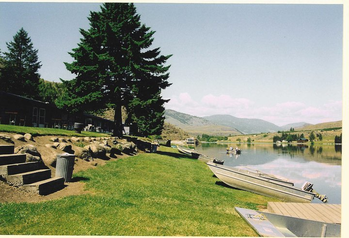 Spectacle Lake Resort