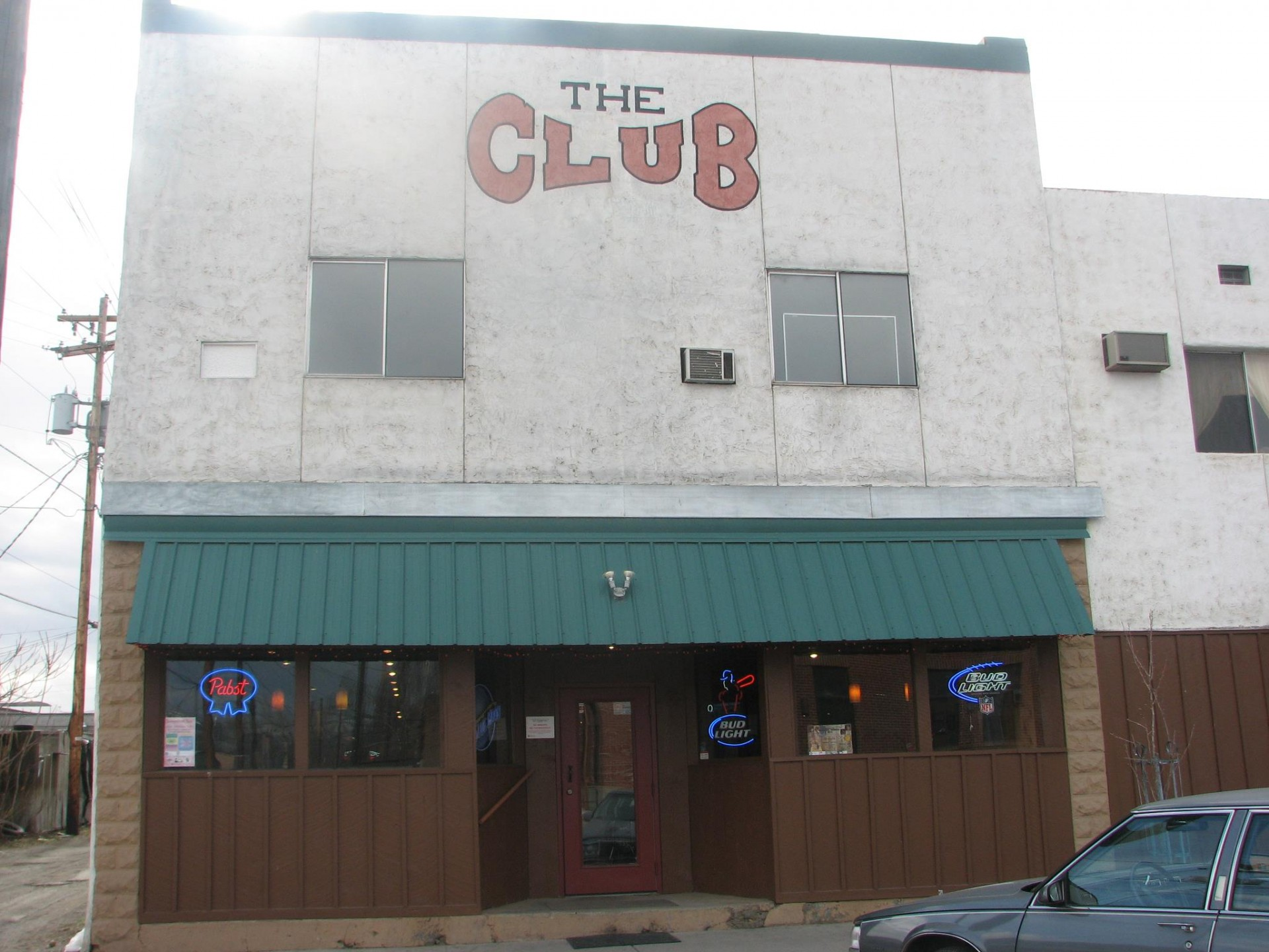 The Club Sports Bar & Grill