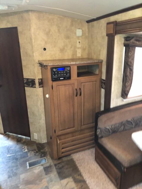 31' Outback Trailer 6