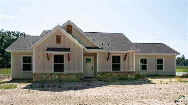 HE 2018 NEW CONSTRUCTION - STERLING SHORES - LAKE BOB SANDLIN - 5 ACRES HE Adorable home in the new